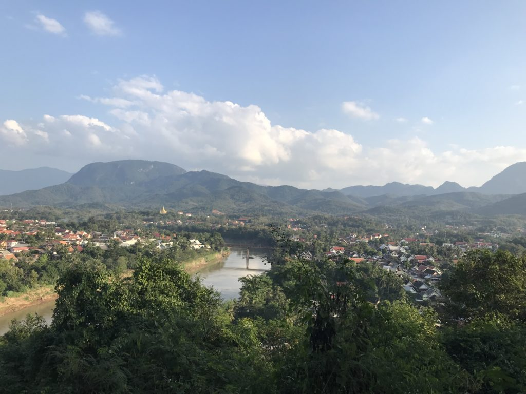 phou si manzara laos