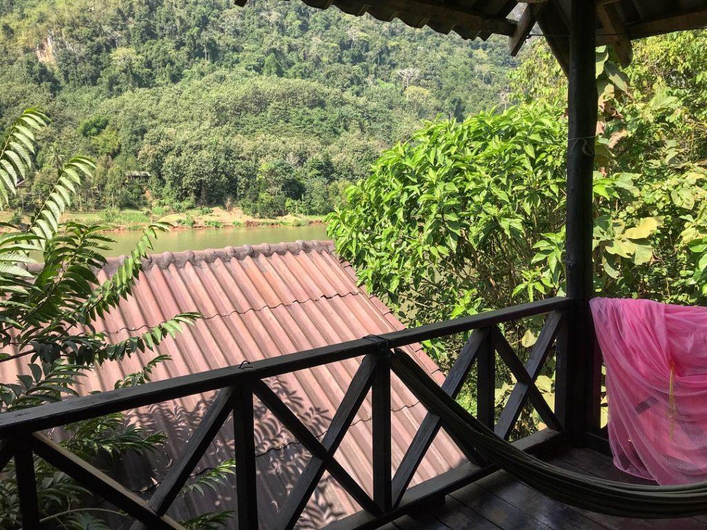 sunrise bungalov laos